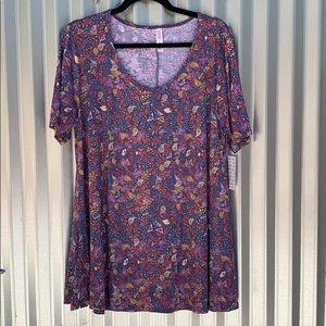 NWT Lularoe Print Perfect Tee Shirt Large